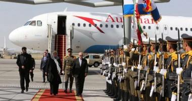 حجاب رئیس جمهور کرواسی ،که وارد تهران شده است مورد توجه مردم قرار گرفت.