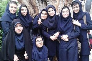 معلمی که دانش آموزان را عاشق حجاب می کند