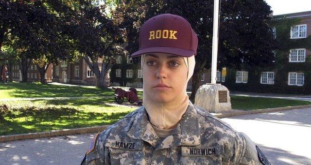 پذیرش دانشجوی محجبه در کالج نظامی آمریکا
